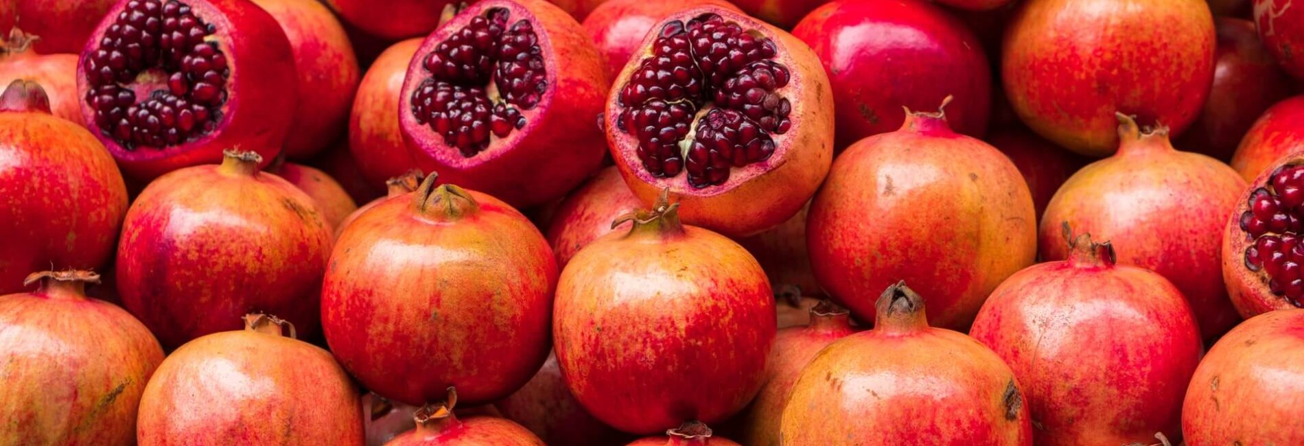 Easily Seed a Pomegranate