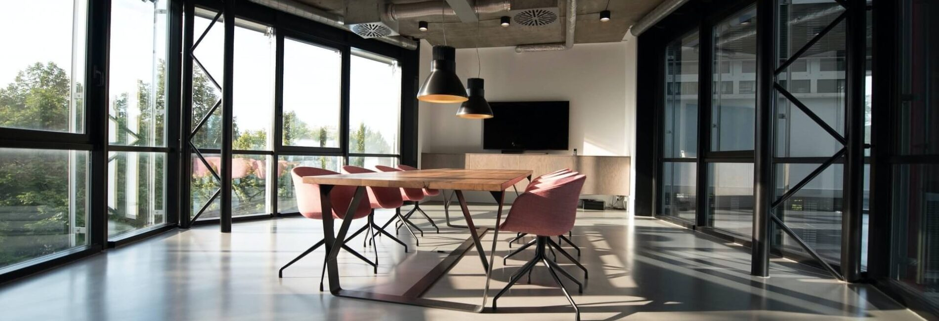 Ideas to Help You Design Your Office with More Work Space