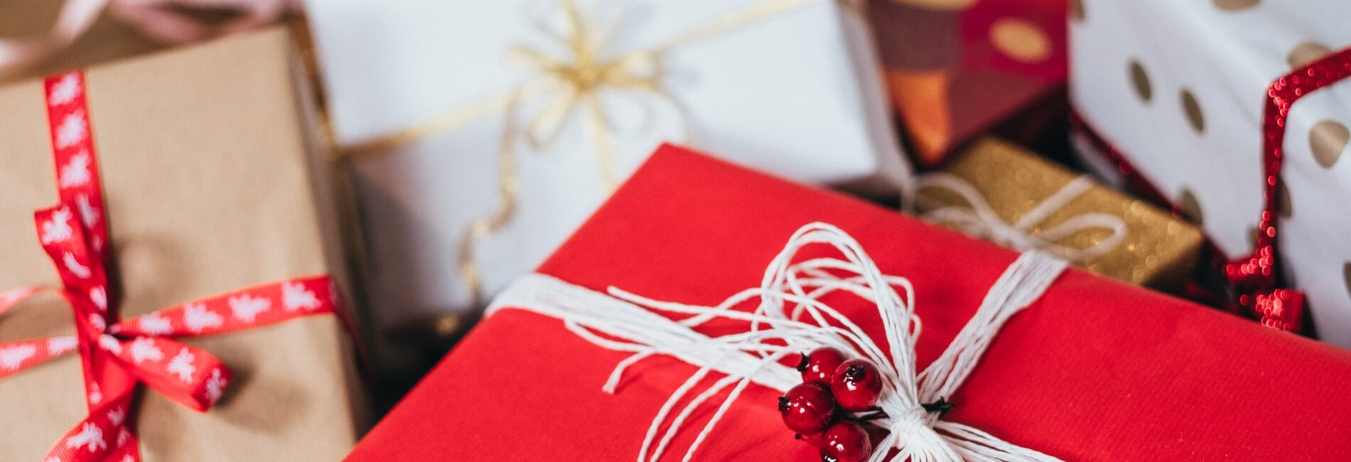 Guide to Tipping at Christmas…Who & How Much?